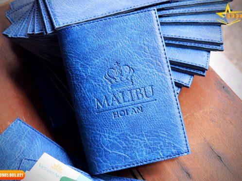 Sản Xuất Ví Đựng Passport Da Khắc Tên